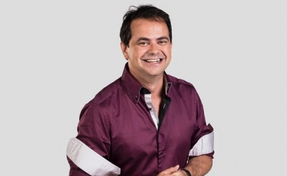 Comediante se apresenta em Brasília com o espetáculo 'Carioca em Más Companhias'