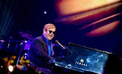 Cantor Elton John cancela shows após pegar infecção mortal na América do Sul