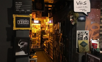 Descobrimos o menor bar (e livraria) de Goiânia e ele vai te surpreender