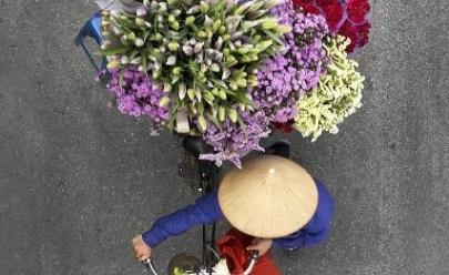 Fotógrafa captura imagens de vendedores em suas bicicletas e mostra a beleza do dia-a-dia