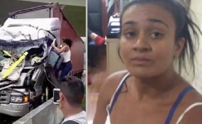 Mulher se arrisca para salvar caminhoneiro atingido por helicóptero de Boechat enquanto curiosos... tiram fotos!