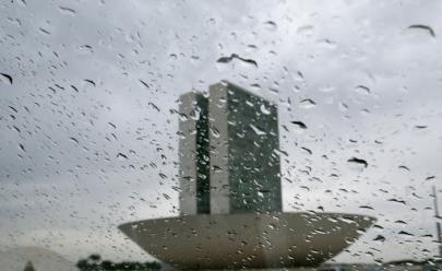 Inmet emite alerta de chuvas e ventos fortes em todo o DF