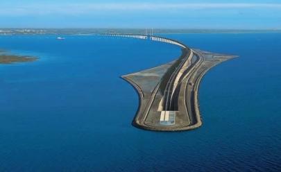 Conheça a incrível ponte que termina num túnel embaixo do mar