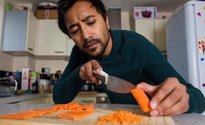 Tábua de picar ideal para perfeccionistas deixa ingredientes com tamanhos precisos