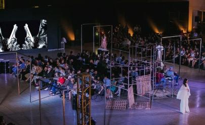 FAV Fashion 2018 reúne desfile de moda e show da banda Casamata