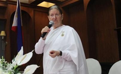 Uberlândia recebe palestra inédita e gratuita sobre meditação, com professora inglesa