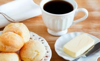 Promoção de inverno, em Cafeteria de Uberlândia, tem café acompanhado de pão de queijo a R$ 3,00