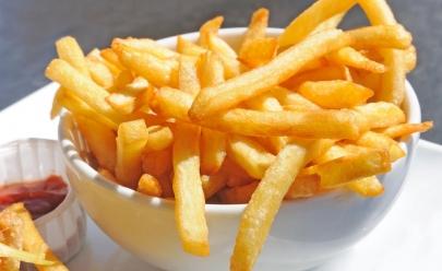 Batata frita pode ser melhor para a saúde do que cozida, revela estudo