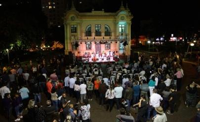 Festival gastronômico e música na praça são atrações de noite dançante em Uberlândia