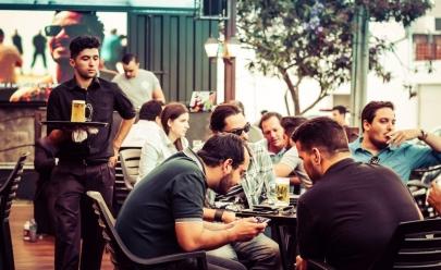 Empresa em Goiânia oferece chope de graça à vontade para clientes