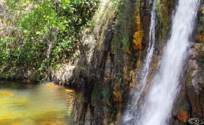 Com 7 belíssimas quedas, Cachoeira dos Cristais é ótima opção para toda família na Chapada