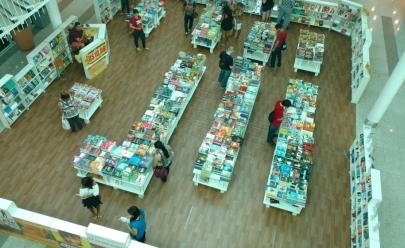 Feira com livros a R$ 10 foi prorrogada em Goiânia