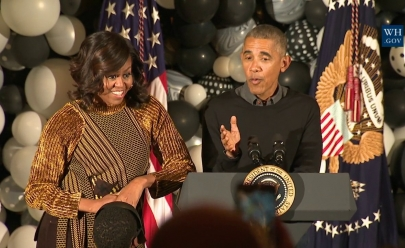 'Thriller' na Casa Branca: Obama e Michelle fazem performance no Halloween; assista