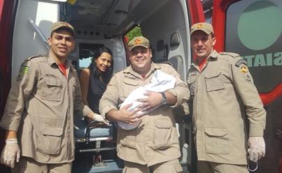 Mulher dá à luz na porta de um shopping em Goiânia