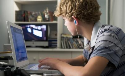 UFG promove mesa redonda sobre acompanhamento e orientação dos filhos em ambientes virtuais