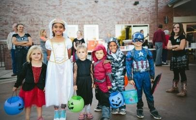 Dia das Bruxas: shopping de Brasília promove caça aos doces para a criançada