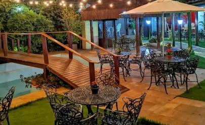 Café Biano em Goiânia te faz sentir na França com ambiente romântico e um jardim poético a céu aberto