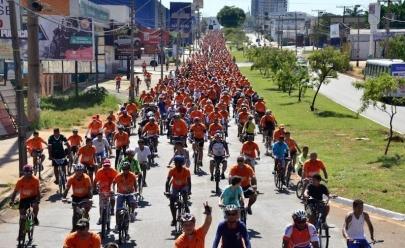'Bora Bike' reúne 8 mil ciclistas no maior passeio de bicicleta de Goiânia