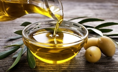 5 motivos surpreendentes para você colocar o azeite de oliva na sua vida de uma vez por todas