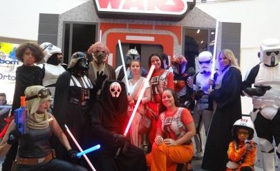 Fãs de Star Wars comemoram