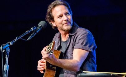 Em show no Rio de Janeiro Eddie Vedder diz que Só os homens fracos não apoiam as mulheres
