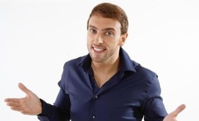 Léo Lins faz show de comédia gratuito em shopping de Goiânia