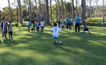 Futel oferece 1.500 vagas para escolinhas de futebol de campo