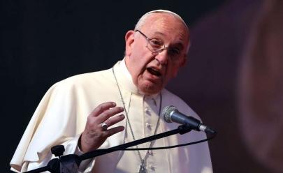 Papa critica tradução de 'Pai Nosso' e sugere mudanças na oração em algumas línguas