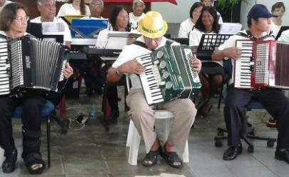 Prefeitura abre vagas para oficinas culturais gratuitas com idosos em Goiânia
