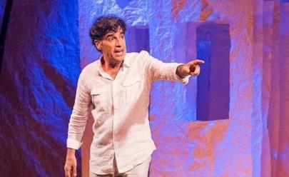 Paulo Betti apresenta o espetáculo Autobiografia Autorizada em Goiânia