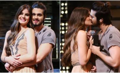 Luan Santana e Camila Queiroz se beijam em gravação de DVD
