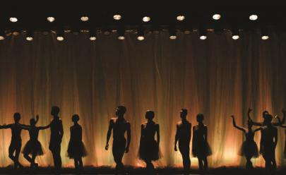Escola de Balé do Teatro Basileu França comemora 10 anos com apresentações de gala