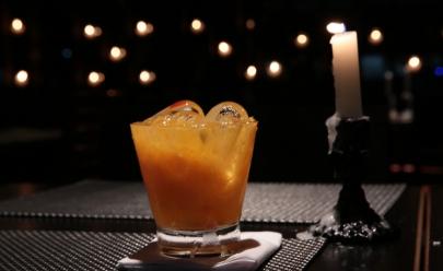 Dose dupla de drinks especiais no restaurante Santé 13 em Brasília