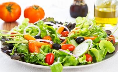 Lugares com comida saudável para pegar leve em Goiânia