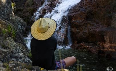Cachoeira com três quedas é paraíso 'secreto' na Chapada dos Veadeiros