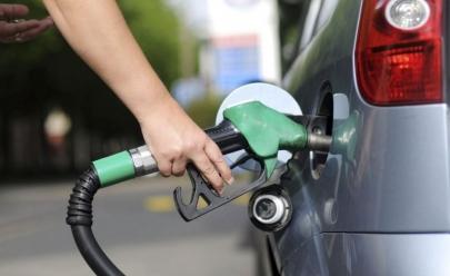 Gasolina e diesel ficam mais baratos a partir deste sábado
