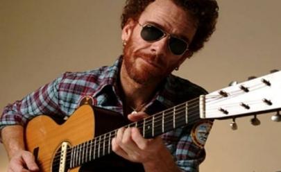 Nando Reis volta a Brasília para show com voz e violão