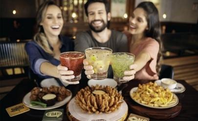 Outback promove Happy Hour solidário com aperitivos e bebidas à vontade em Uberlândia