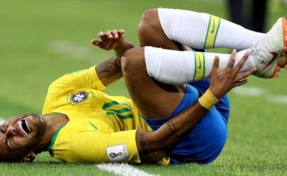 Em vídeo, Neymar se manifesta sobre a fama de cai-cai e tira onda com o 'Neymar Challenge'