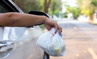 Aprovado projeto que prevê multa de até R$ 2 mil para quem jogar lixo nas ruas de Goiânia