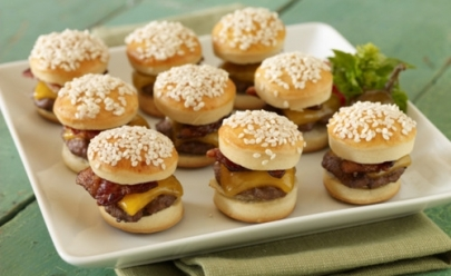 Hamburgueria promove rodízio de mini sanduíches com promoção imperdível nesta quarta-feira em Goiânia