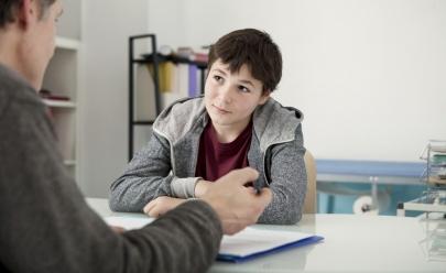 UFG oferece atendimento psicoterapêutico de graça para adolescentes em Goiânia