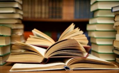 13 livrarias para comprar ou trocar livros didáticos usados em Goiânia