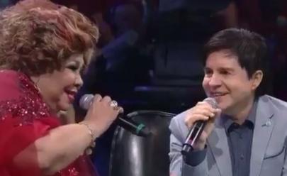 Alcione passa saia justa no Domingão do Faustão ao tentar cantar a música 'Evidências'