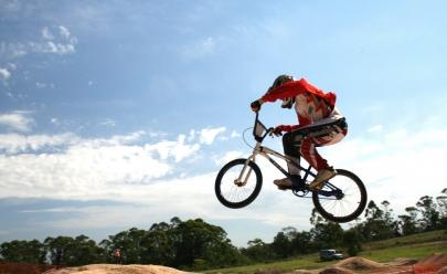 Campeonato Brasileiro de Bicicross acontece no Parque Botafogo em Goiânia