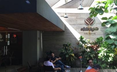 Assaltantes fazem arrastão em cafeteria no Setor Marista