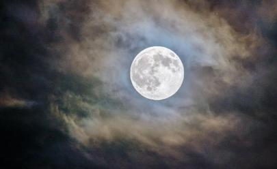 Lua cheia em noite de sexta-feira 13 é extremamente rara e pode dar sorte