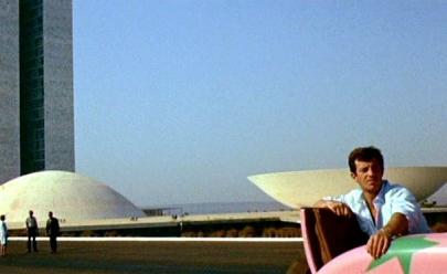 Filme estrangeiro da década de 60 faz um passeio por Brasília