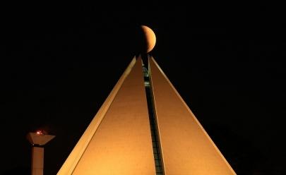 Templo da Boa Vontade celebra 30 anos com mostra fotográfica em Brasília