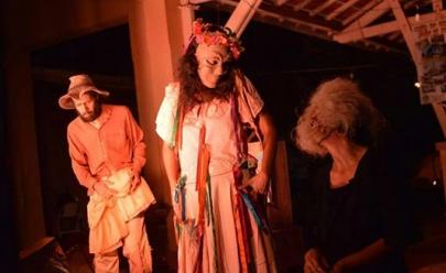 Goiânia recebe teatro Os Avessos inspirado em obra de Graciliano Ramos